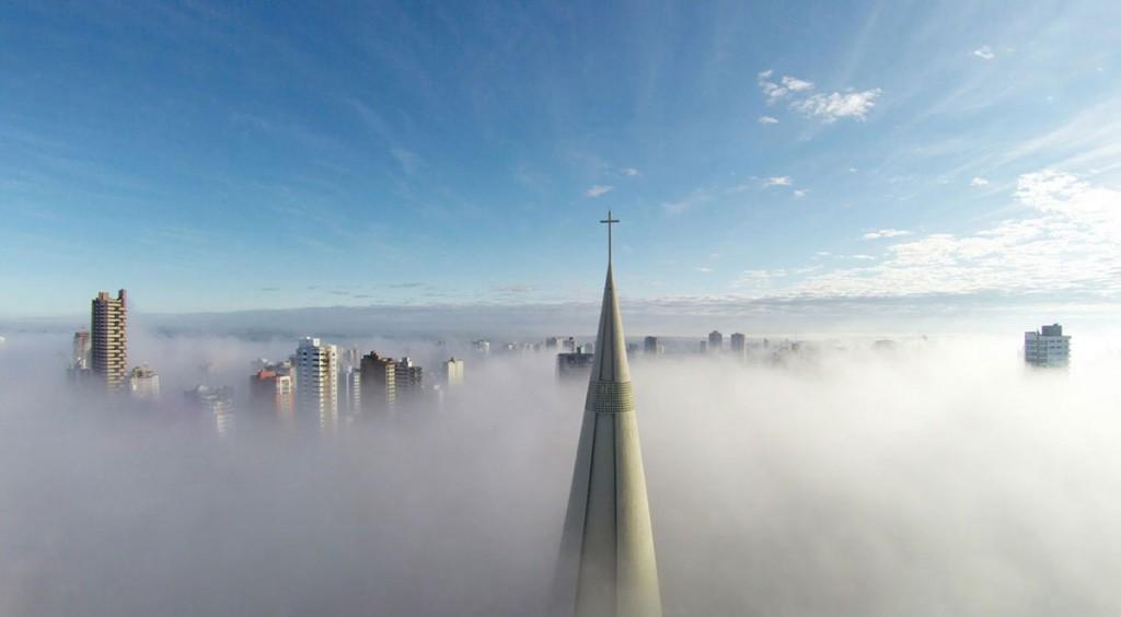 above-the-mist-maringa-parana-brazil-by-ricardo-matiello-doorbin-info